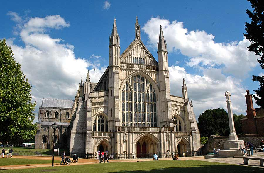 Parish Pilgrimage to Winchester, Easter 2015 – by Shirley Witcomb